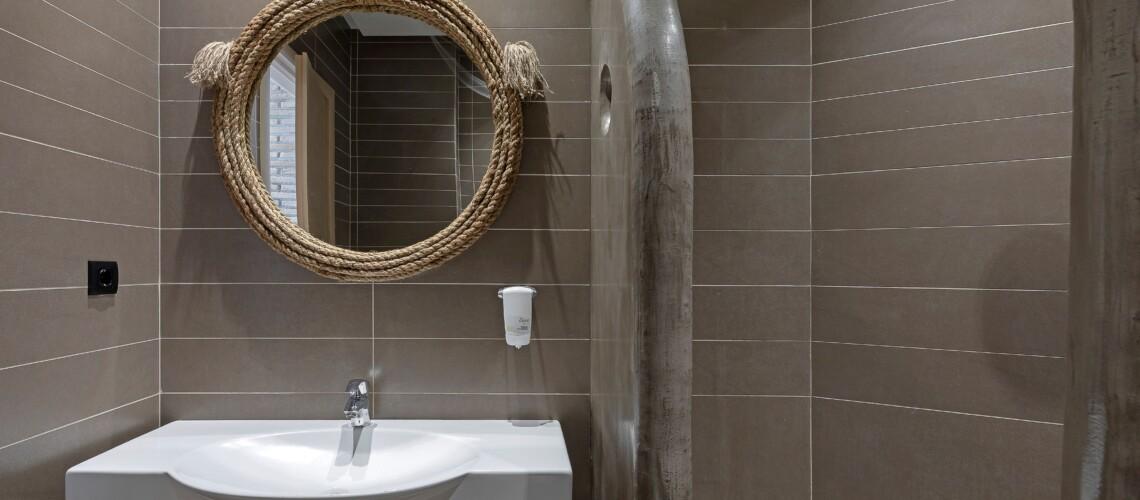 batroom (1)